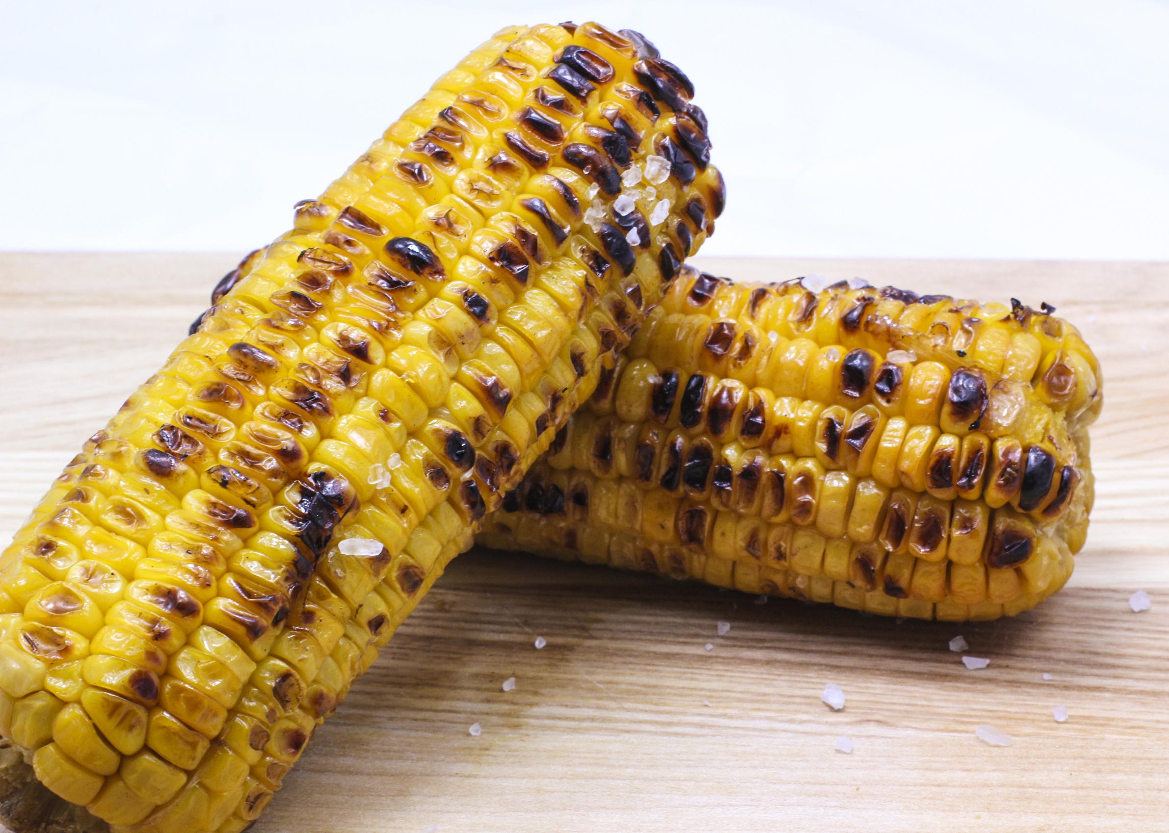 Запеченная молочная кукуруза